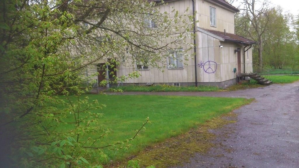 DSC_0054 Betjäningshuset 20120510