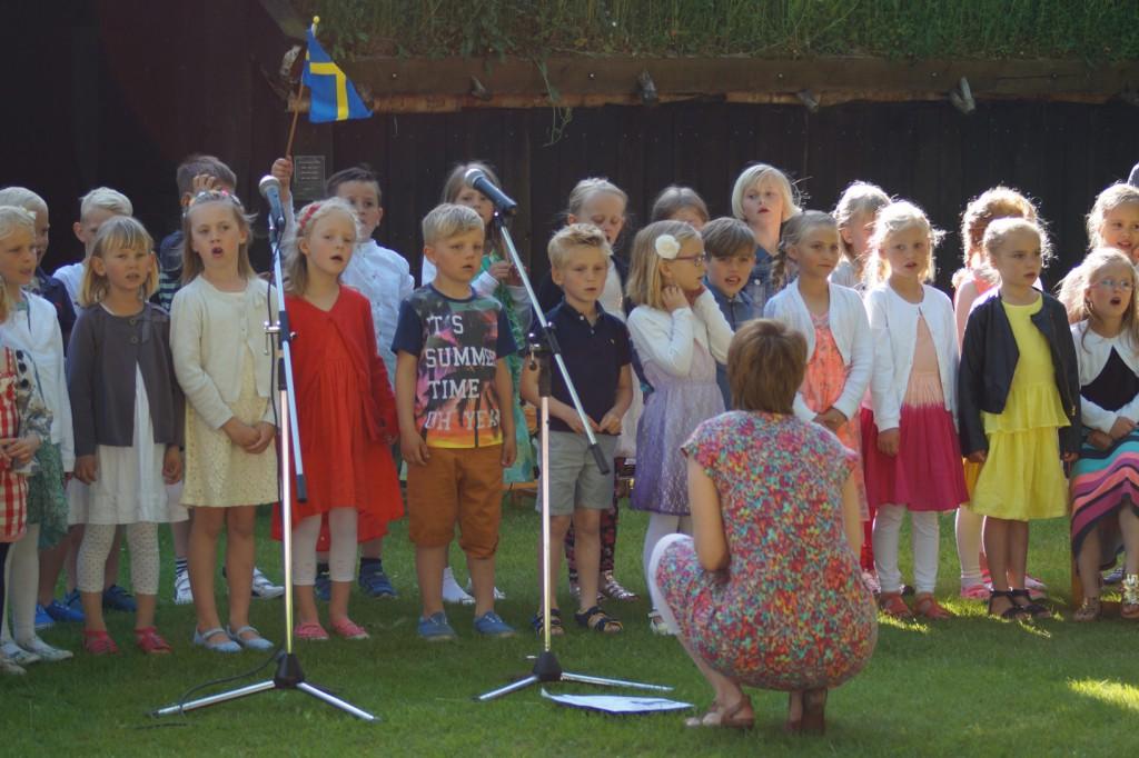 F-klassen sjunger
